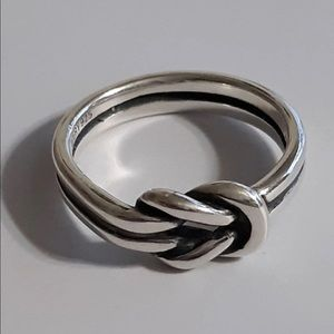 James Avery Lovers Knot Ring Size 5.5